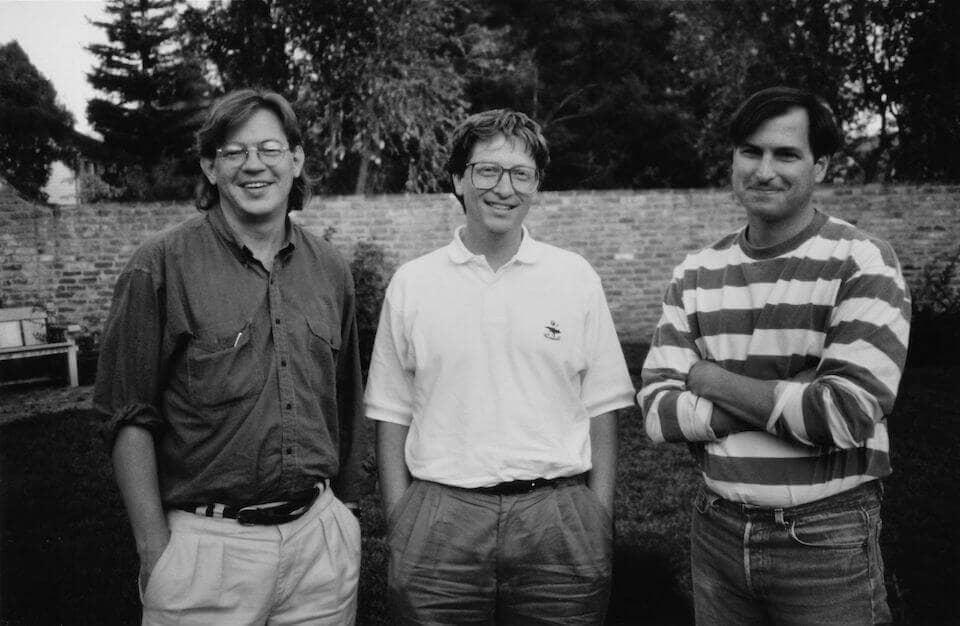 Брент Шлендер, Билл Гейтс и Стив Джобс после совместного интервью для журнала Fortune в 1991 году.